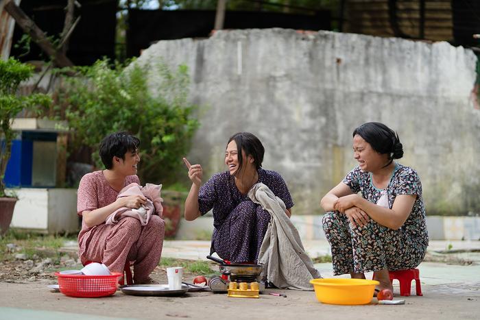 'Tắt tiếng' của Huỳnh Lập - Duy Khánh- Lê Nhân 'cà khịa' CĐM: Từ chuyện Đông Nhi đi đẻ đến cứu trợ mùa lũ Ảnh 16