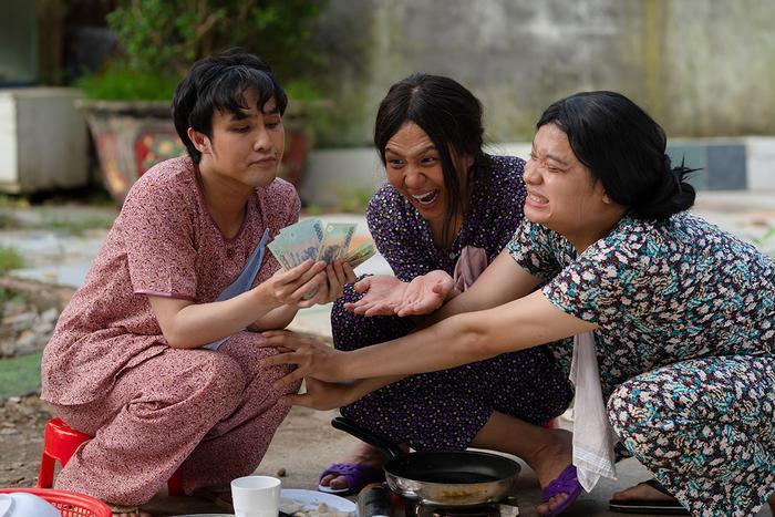 'Tắt tiếng' của Huỳnh Lập - Duy Khánh- Lê Nhân 'cà khịa' CĐM: Từ chuyện Đông Nhi đi đẻ đến cứu trợ mùa lũ Ảnh 17