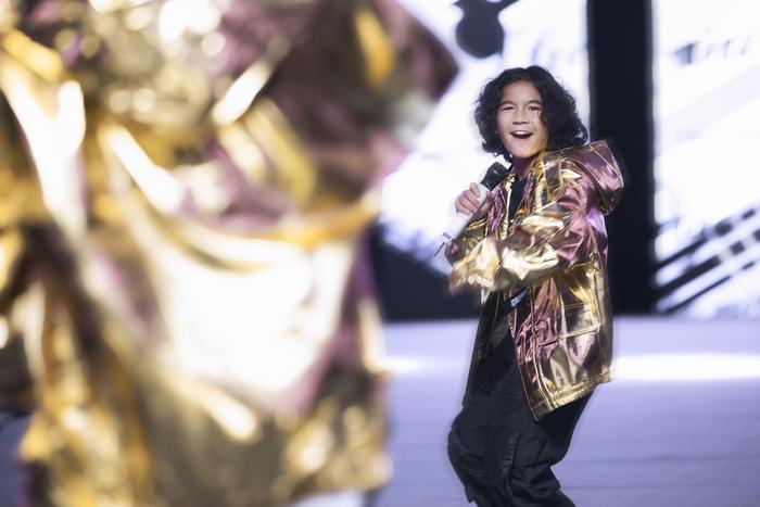 Rapper Weeza King Of Rap cùng mẫu nhí 'khuấy đảo' sàn runway Ảnh 5