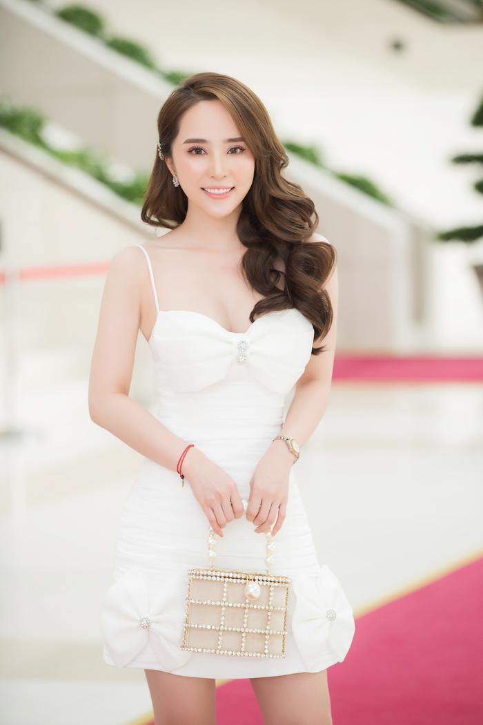 'Cá sấu chúa' Quỳnh Nga tiết lộ bí quyết hà khắc để giữ cân và dáng đẹp Ảnh 9