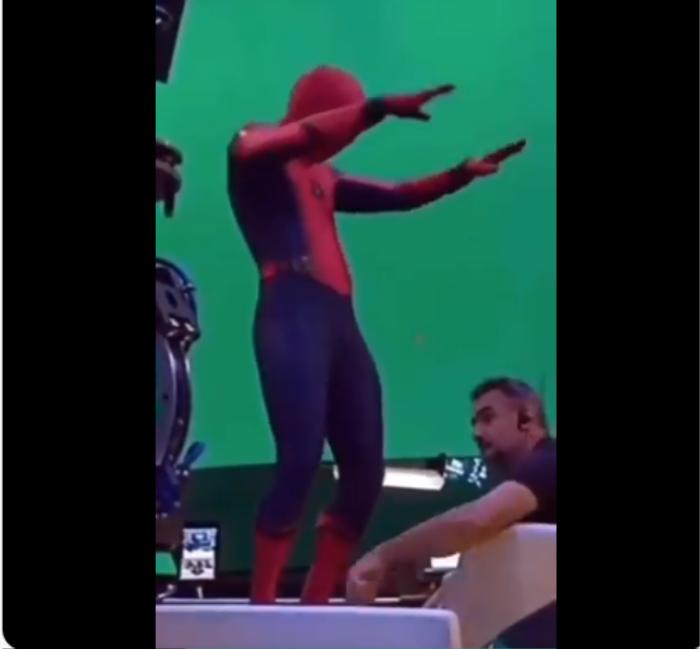 Tom Holland lại nhọ khi tiếp tục để lộ hình ảnh về bom tấn 'Spider-Man 3' Ảnh 3