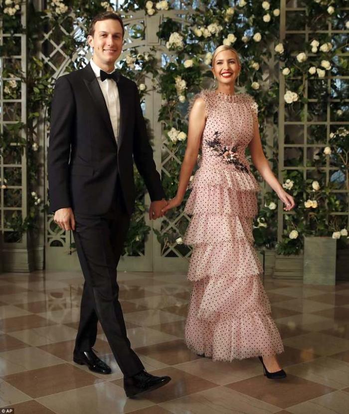 Thời trang của ái nữ Donald Trump 'lấn át' con gái Tổng thống Joe Biden Ảnh 6