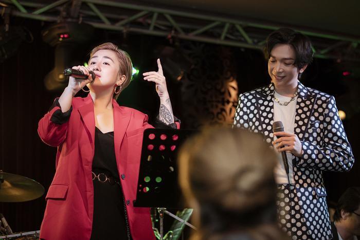 Tăng Phúc da diết cùng Thái Ngân, Trương Quỳnh Anh trong đêm nhạc miễn phí dành tặng fan Ảnh 7