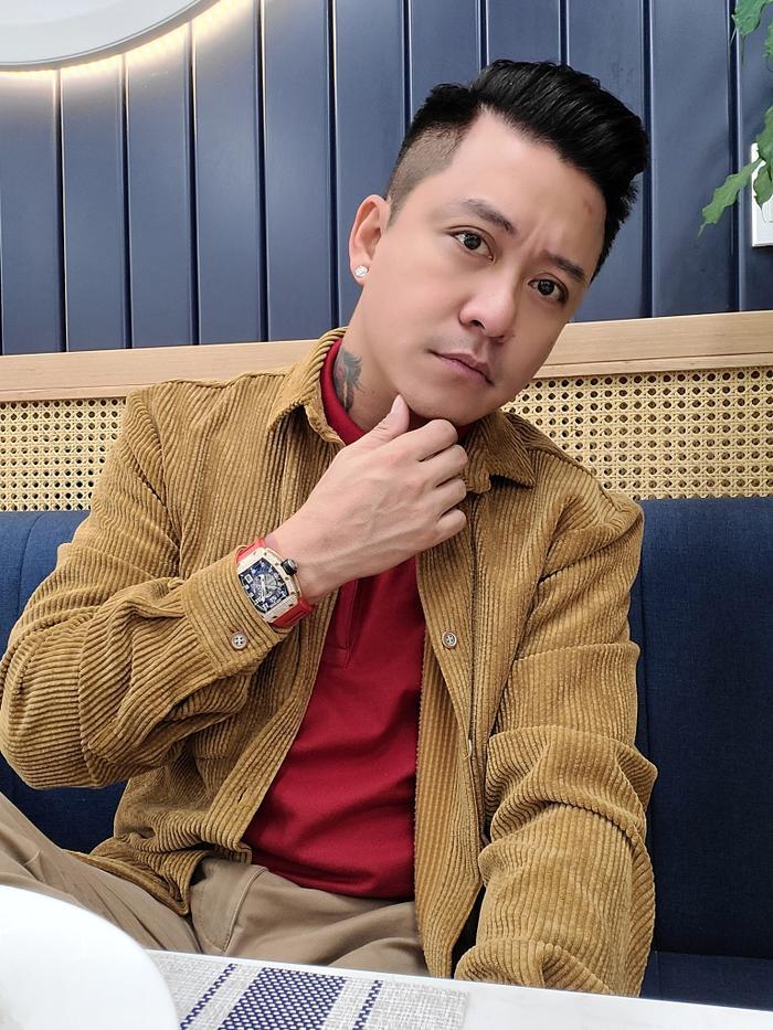 Tuấn Hưng cảm thấy mình 'giàu' sau thời gian dừng ca hát ở nhà phụ vợ kinh doanh Ảnh 5