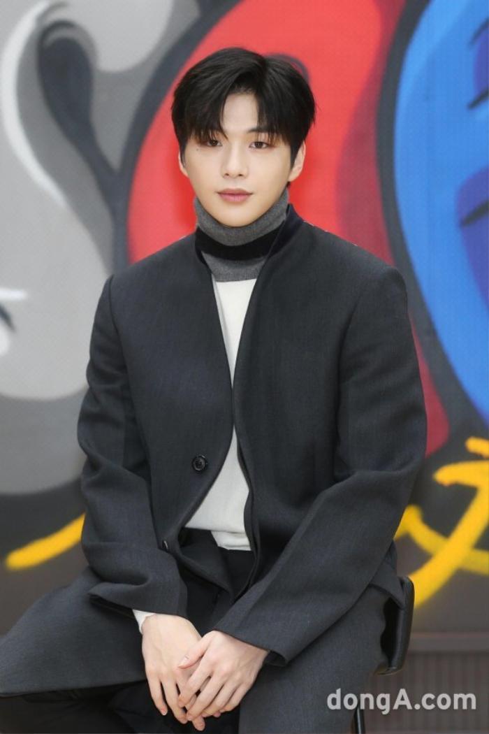 Kang Daniel phỏng vấn hậu chia tay Jihyo (TWICE): Mặt mũm mĩm, buồn lãng mạn! Ảnh 8