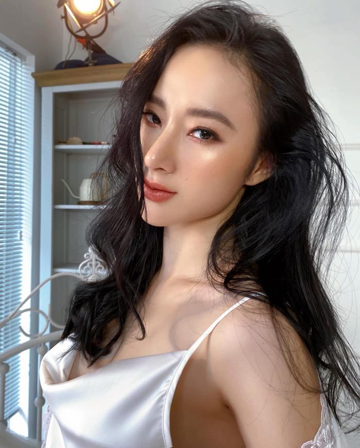 Không thể rời mắt trước nhan sắc thật của Angela Phương Trinh trong clip hậu trường Ảnh 6