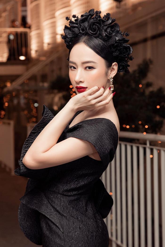 Không thể rời mắt trước nhan sắc thật của Angela Phương Trinh trong clip hậu trường Ảnh 10