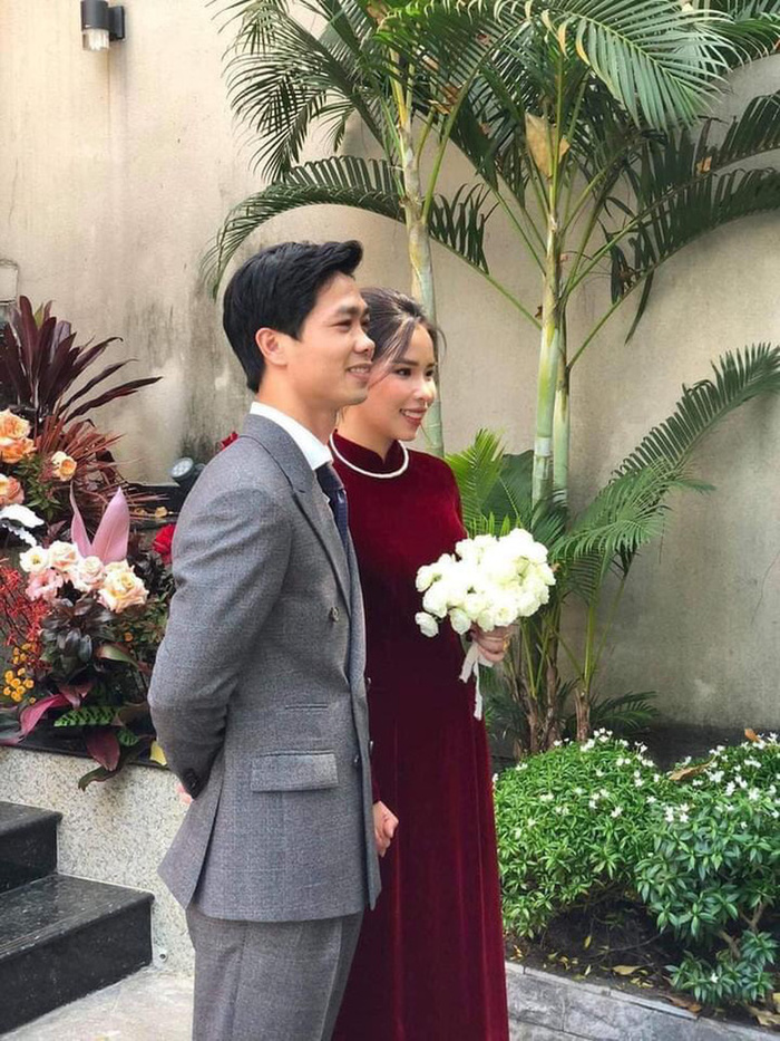 Nhan sắc ngọt ngào đằm thắm của cô dâu Công Phượng trong ngày cưới Ảnh 2