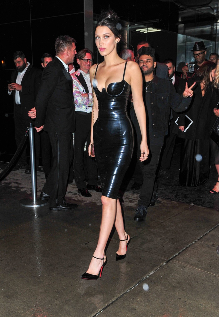Ngọc Trinh diện váy nhựa bó sát không chút mỡ thừa, nhìn tới Mỹ Tâm mới thật sự đẳng cấp Ảnh 13