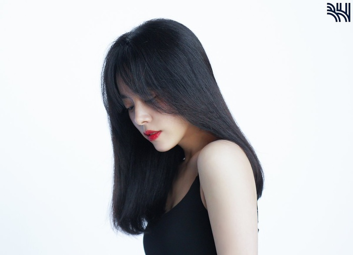 Han Ji Min khoe vòng một gợi cảm, xinh đẹp như idol tuổi 20 Ảnh 2