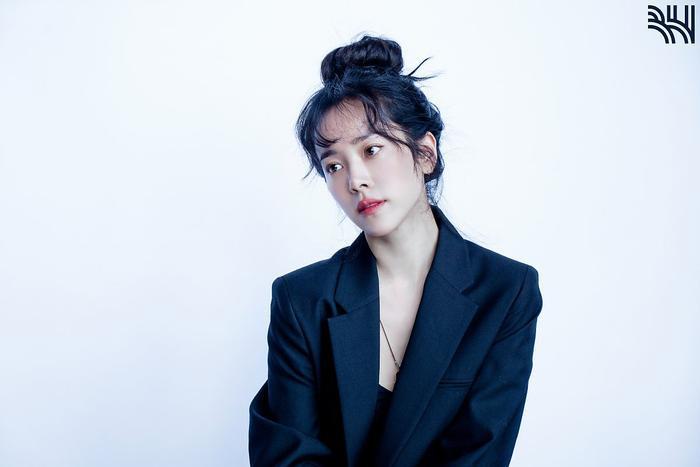 Han Ji Min khoe vòng một gợi cảm, xinh đẹp như idol tuổi 20 Ảnh 17