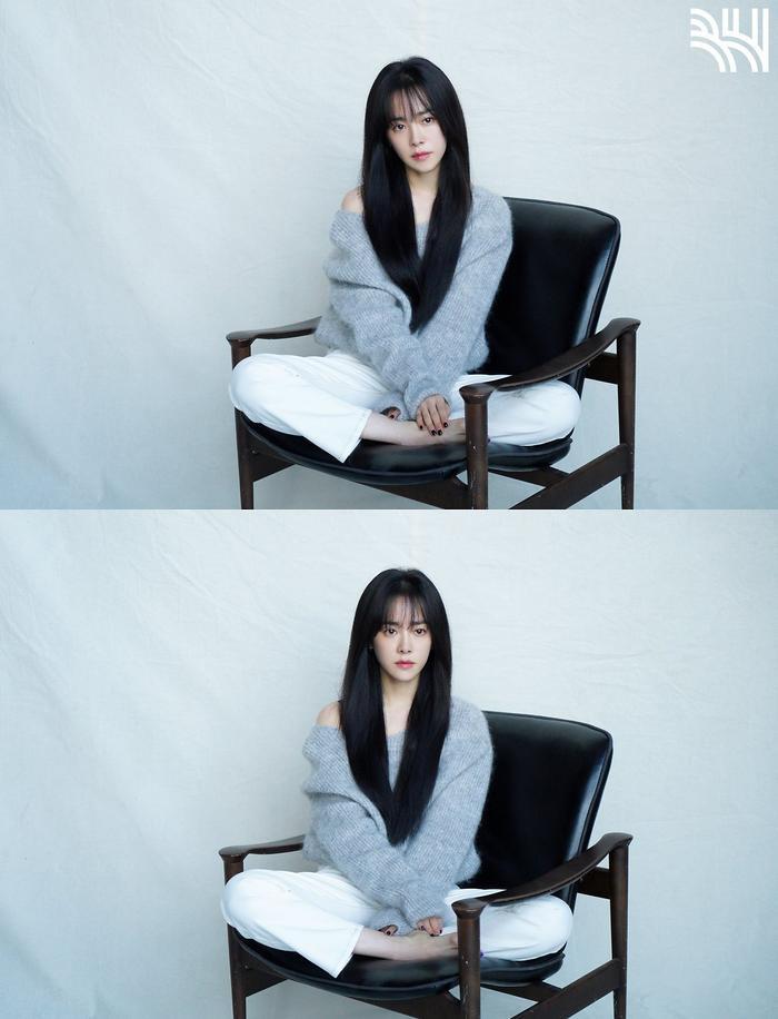 Han Ji Min khoe vòng một gợi cảm, xinh đẹp như idol tuổi 20 Ảnh 20