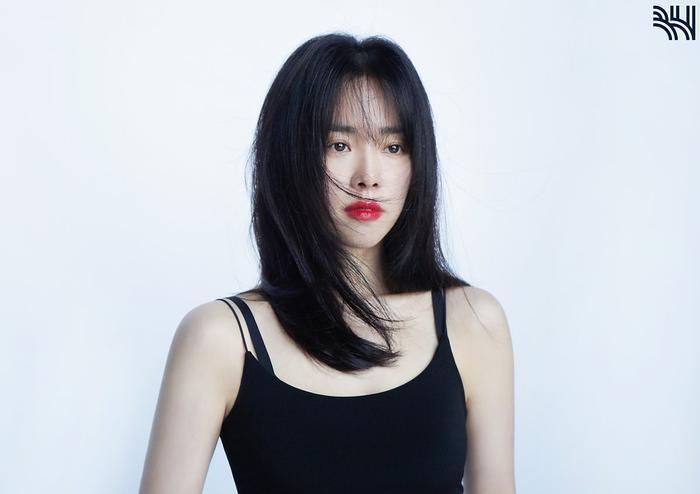 Han Ji Min khoe vòng một gợi cảm, xinh đẹp như idol tuổi 20 Ảnh 6
