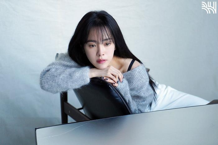 Han Ji Min khoe vòng một gợi cảm, xinh đẹp như idol tuổi 20 Ảnh 3