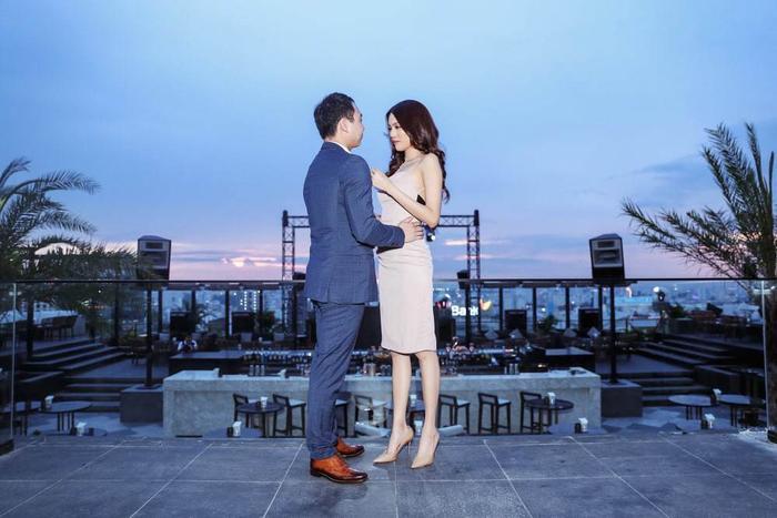 Sao Việt khi được cầu hôn: Lan Khuê mặc gợi cảm riêng Hà Hồ tự chê mình 'xấu đau xấu đớn' Ảnh 4