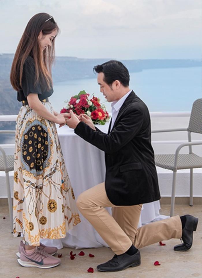 Sao Việt khi được cầu hôn: Lan Khuê mặc gợi cảm riêng Hà Hồ tự chê mình 'xấu đau xấu đớn' Ảnh 9