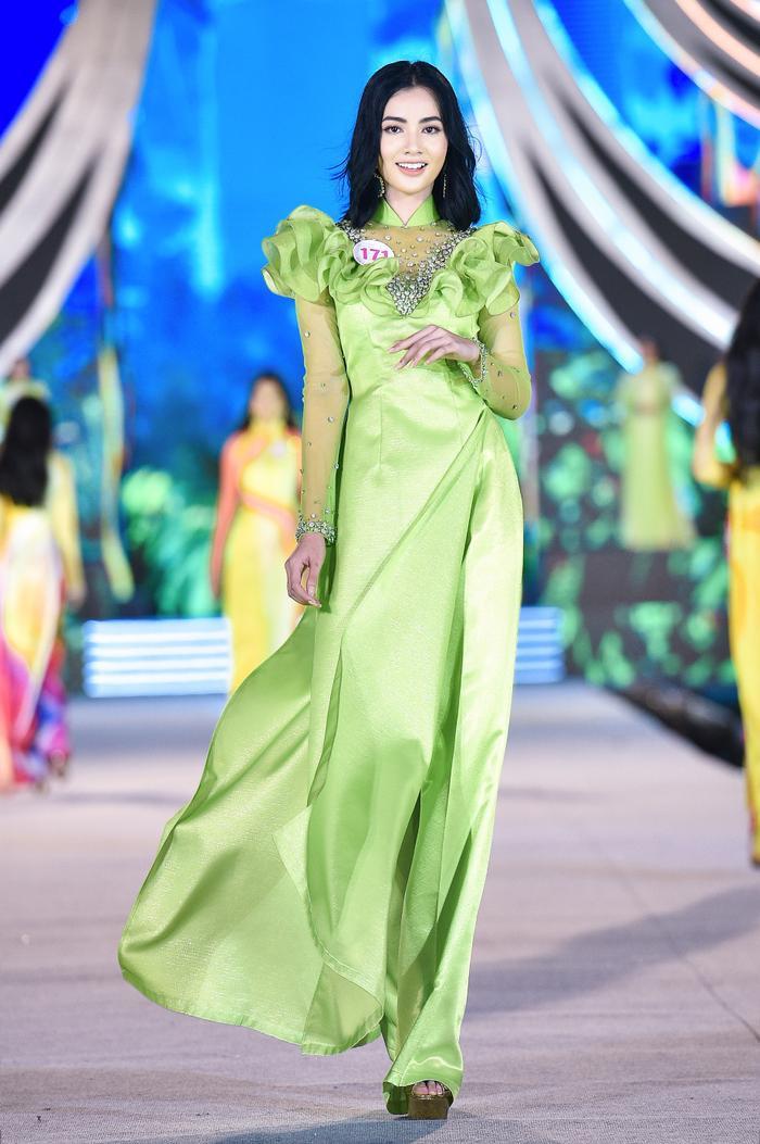 Cô gái có 'gương mặt đẹp nhất Hoa hậu Việt Nam 2020' giảm 10kg trong vòng 1 tháng để đi thi hoa hậu Ảnh 8