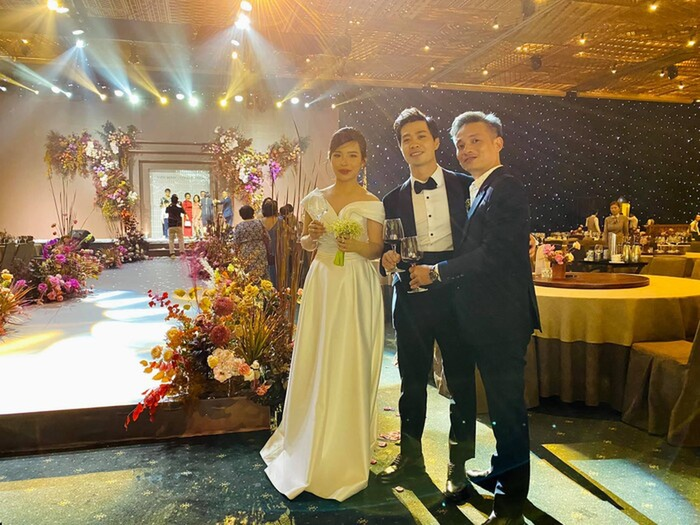 Tình hơn cô dâu chú rể, cặp đôi này chiếm 'spotlight' trong đám cưới Công Phượng - Viên Minh Ảnh 2
