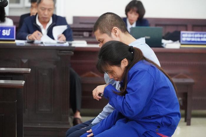 Bản án nào dành cho người mẹ cùng cha dượng bạo hành bé gái 3 tuổi ở Hà Nội tử vong thương tâm? Ảnh 9