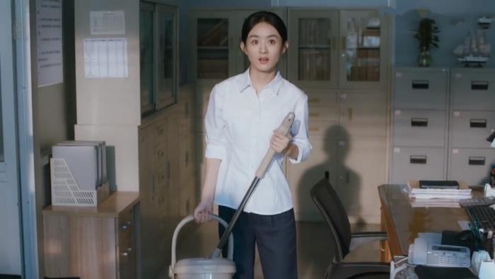 Sau hàng loạt phim truyền hình, Triệu Lệ Dĩnh bắt đầu tấn công vào mảng điện ảnh? Ảnh 3