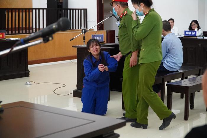 Sắp tuyên án cha dượng cùng mẹ đẻ bạo hành con gái 3 tuổi tử vong Ảnh 6