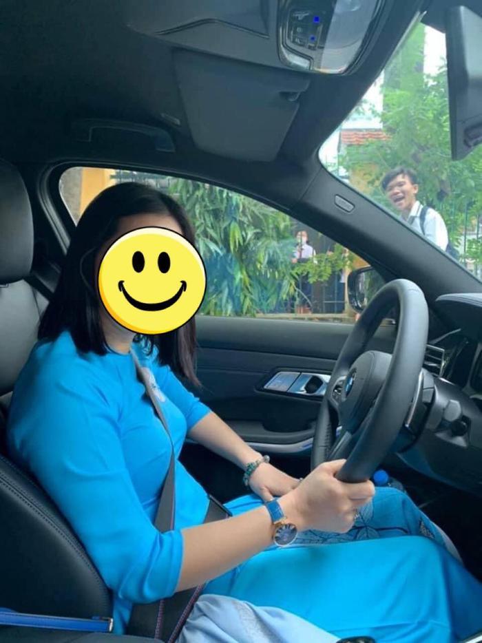 Nữ giáo viên khiến học trò phải trầm trồ: Đi dạy vì đam mê, đeo đồng hồ hiệu, lái siêu xe đến trường Ảnh 1