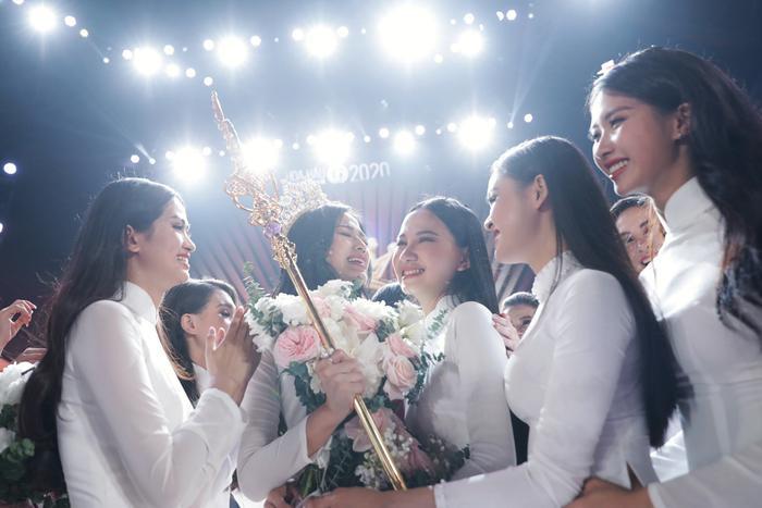 Hành trình trở thành Hoa hậu Việt Nam 2020 của Đỗ Thị Hà: Cô gái giấu gia đình đi thi sắc đẹp Ảnh 22