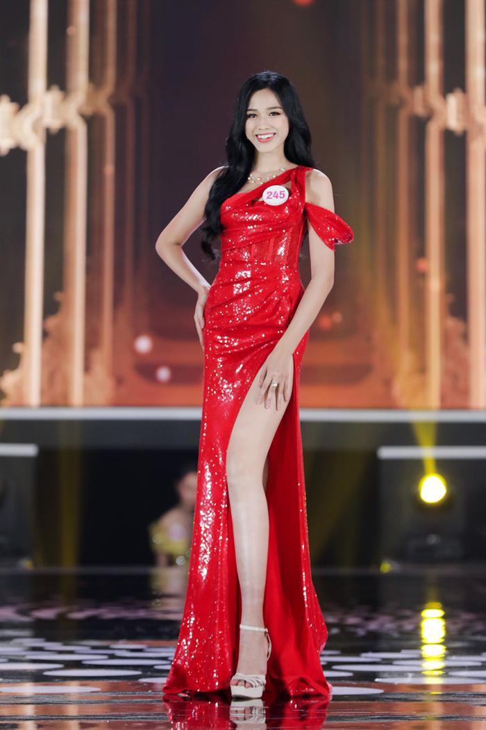Hành trình trở thành Hoa hậu Việt Nam 2020 của Đỗ Thị Hà: Cô gái giấu gia đình đi thi sắc đẹp Ảnh 14