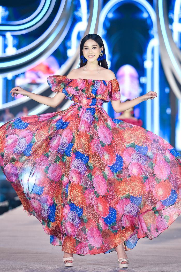 Hành trình trở thành Hoa hậu Việt Nam 2020 của Đỗ Thị Hà: Cô gái giấu gia đình đi thi sắc đẹp Ảnh 11