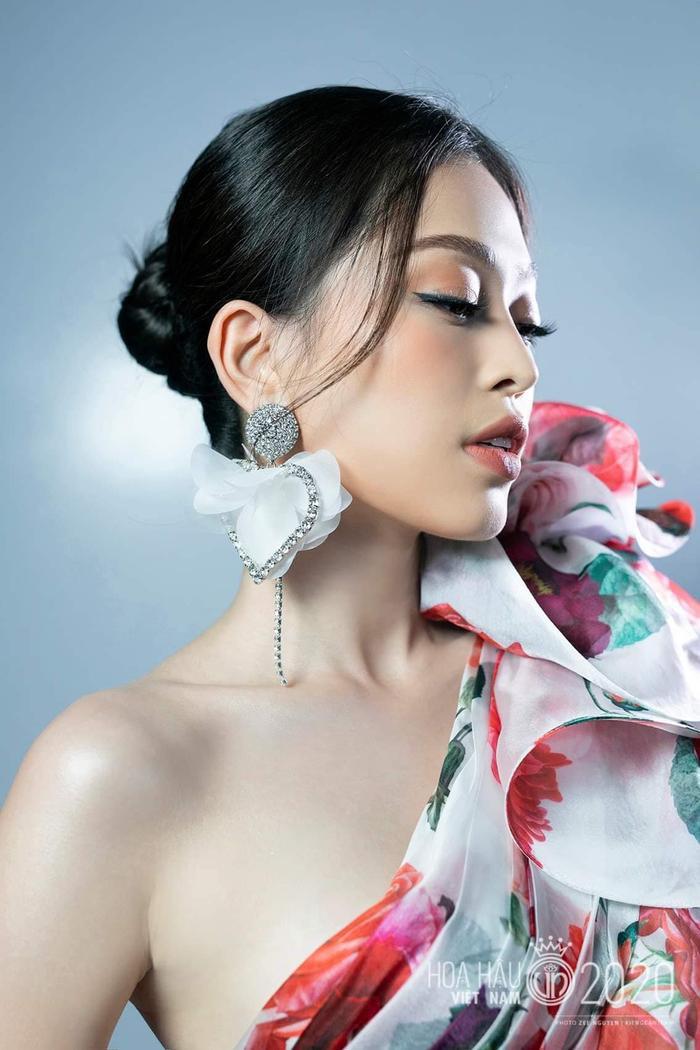 Cặp á hậu đình đám Bùi Phương Nga - Hoàng Thùy xúc động chúc mừng tân hoa hậu Đỗ Hà Ảnh 9
