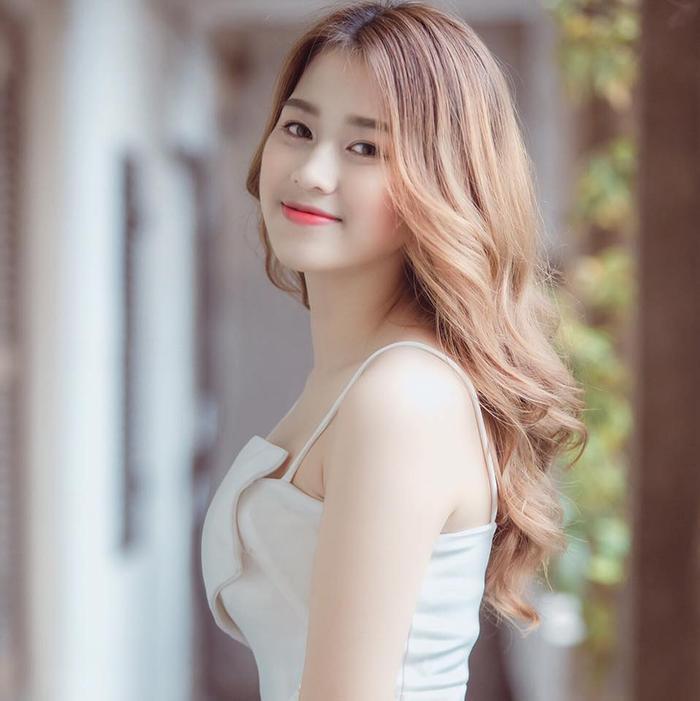 Nhan sắc đời thường không hề tầm thường của Tân Hoa hậu Việt Nam 2020 Đỗ Thị Hà Ảnh 11