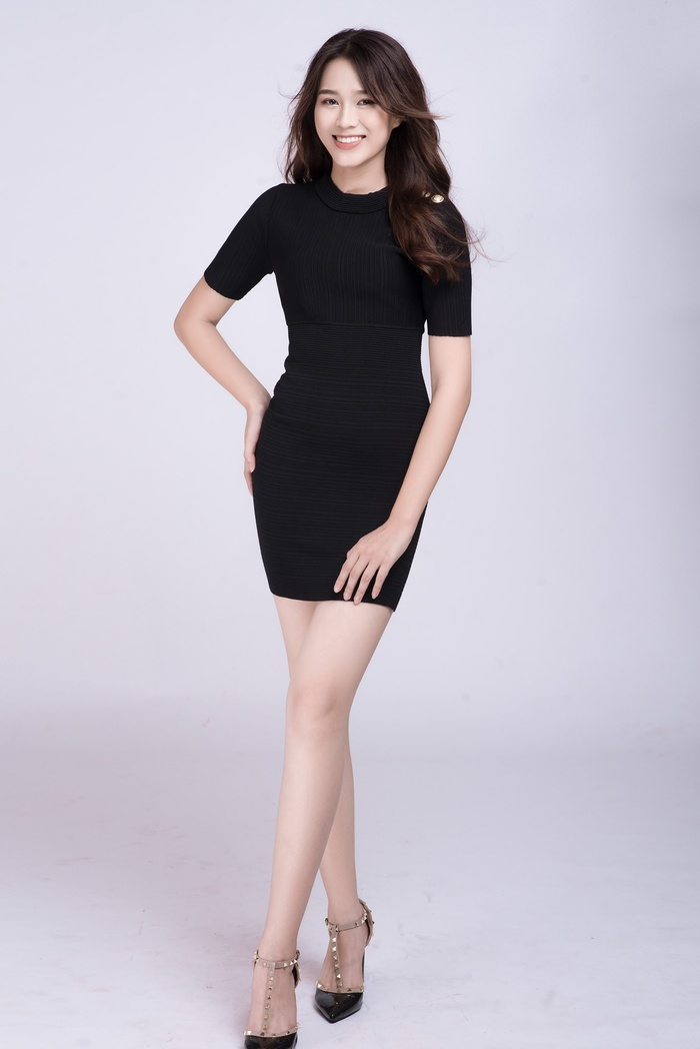 Thời trang streetstyle trẻ trung của Tân Hoa hậu Việt Nam Đỗ Thị Hà Ảnh 11