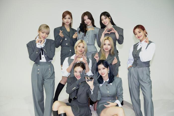 BXH thương hiệu nhóm nhạc KPop tháng 11/2020: Twice thăng hạng 'chiến' với BTS, BlackPink 'rớt' top 3 Ảnh 4