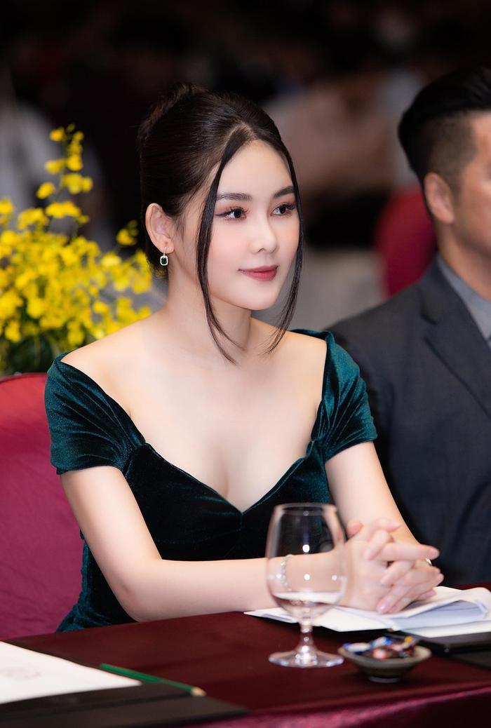 Nhan sắc hiện tại của những Hoa hậu Việt bị chê xấu khi đăng quang, kì lạ thay ngày càng đẹp Ảnh 11