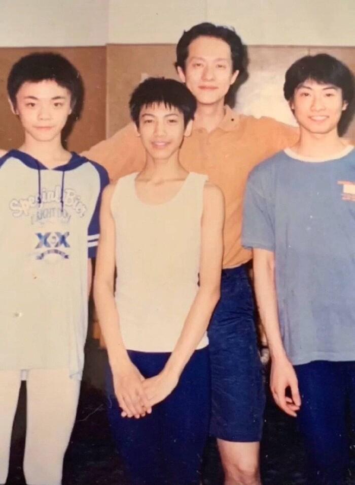 Lộ ảnh thẻ của La Vân Hi từ 10 năm trước: Không chỉnh sửa vẫn xuất sắc đẳng cấp nam thần Ảnh 10