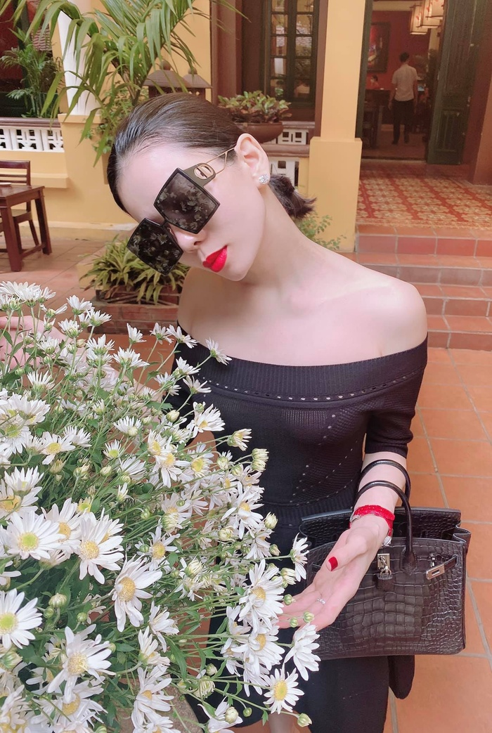 Lệ Quyên bị fan ví như Paris Hilton, đi đâu cũng đeo kính râm to sụ Ảnh 2