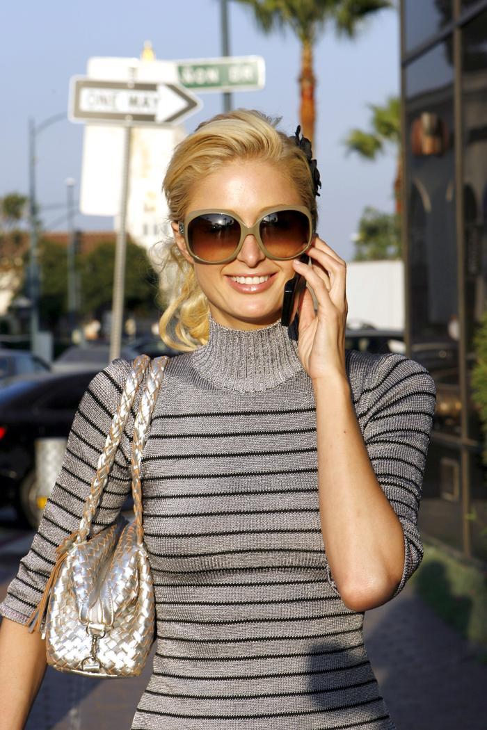 Lệ Quyên bị fan ví như Paris Hilton, đi đâu cũng đeo kính râm to sụ Ảnh 8