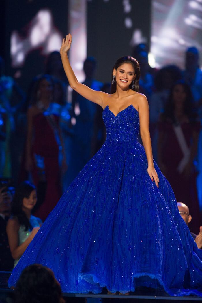 Tiểu Vy lập kỷ lục với đầm 40kg, Nguyễn Thị Loan lại vỡ kế hoạch vì váy khủng Ảnh 10
