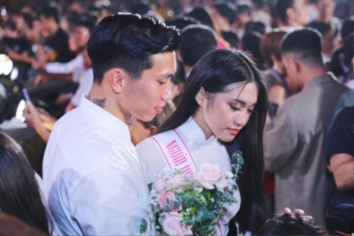 Lộ ảnh bạn gái tin đồn của Đoàn Văn Hậu - Doãn Hải My thử váy cưới lộng lẫy, fan rần rần đồn đoán Ảnh 2