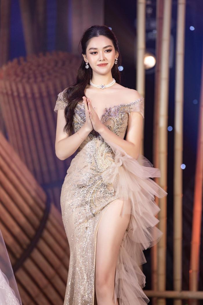 Á hậu Tường San xác nhận kết hôn ở tuổi 20 với bạn trai lớn hơn 9 tuổi vào cuối tháng 11 Ảnh 4