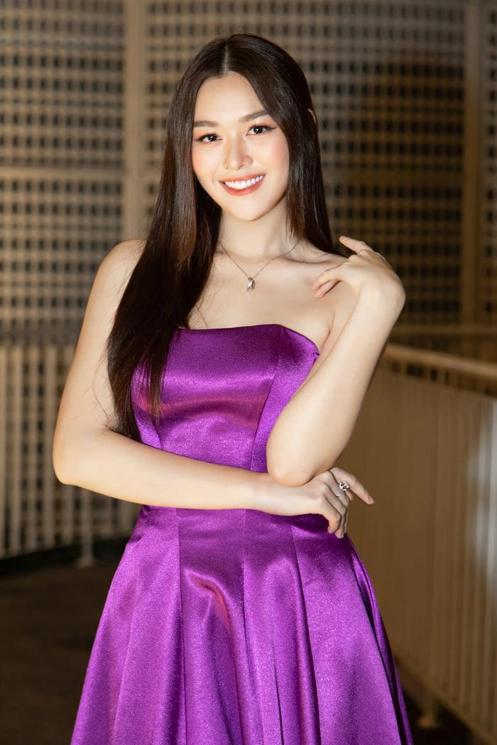 Á hậu Tường San xác nhận kết hôn ở tuổi 20 với bạn trai lớn hơn 9 tuổi vào cuối tháng 11 Ảnh 7