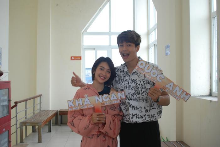 2000 học sinh sinh viên Hà Nội vây kín Khả Ngân - Quốc Anh - OSAD Ảnh 6
