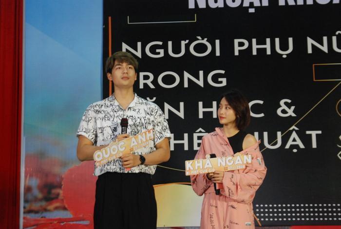 2000 học sinh sinh viên Hà Nội vây kín Khả Ngân - Quốc Anh - OSAD Ảnh 8