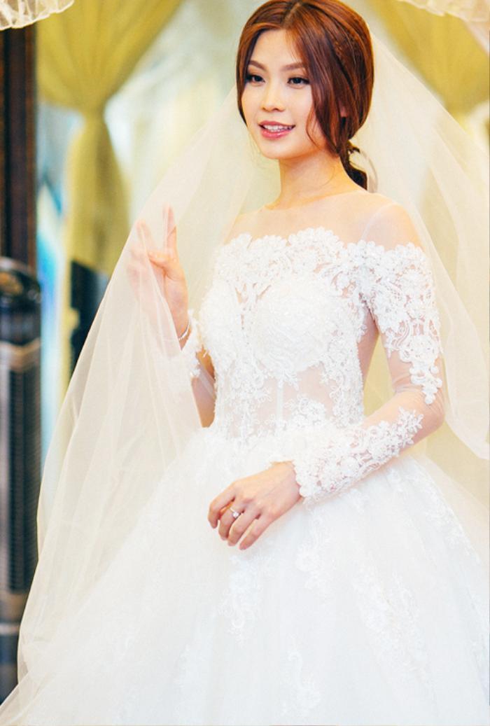 Á hậu Việt Nam kết hôn trong nhiệm kỳ như Tường San: Thúy Vân - Diễm Trang - Trà My hạnh phúc viên mãn Ảnh 8