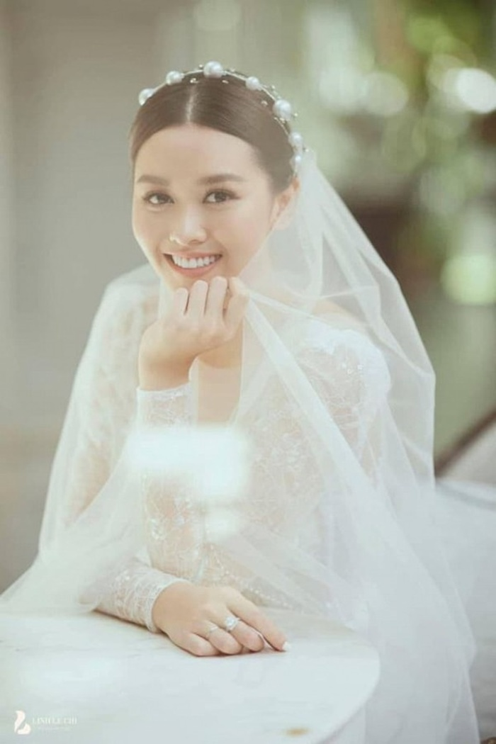 Á hậu Việt Nam kết hôn trong nhiệm kỳ như Tường San: Thúy Vân - Diễm Trang - Trà My hạnh phúc viên mãn Ảnh 3