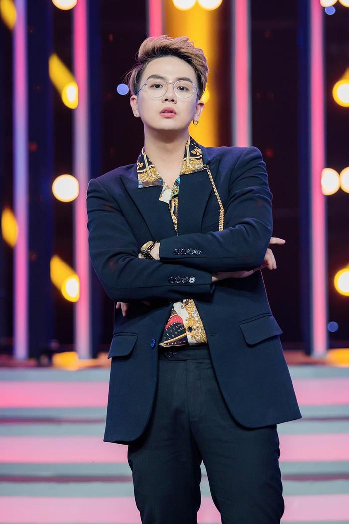 Duy Khánh lên tiếng khi bị cho rằng chỉnh ảnh 'lố' tay 'dìm' nhan sắc Hoa hậu Đỗ Thị Hà Ảnh 2