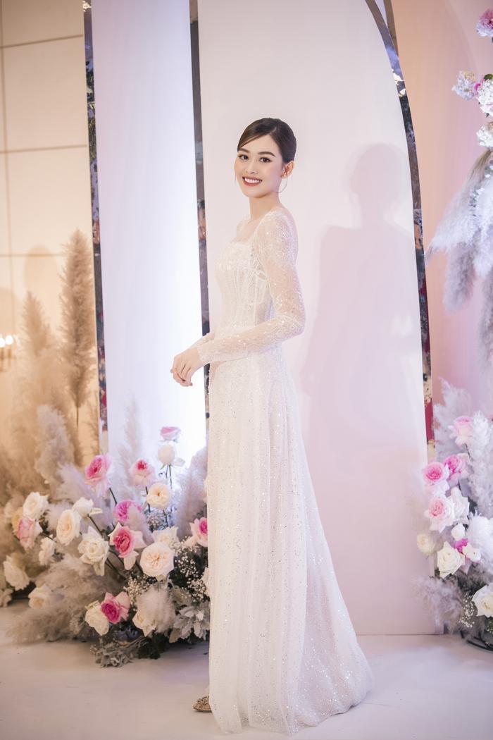 Á hậu Tường San thay 3 chiếc váy cưới tinh tế, fan chờ đám cưới của Phương Nga - Thúy An Ảnh 7
