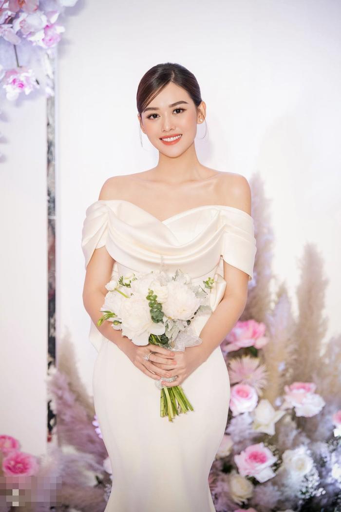 Hé lộ những khoảnh khắc ngọt ngào của Tường San bên cạnh chú rể trong lễ cưới Ảnh 7