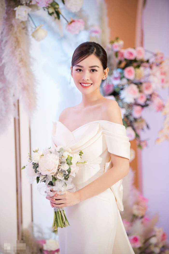 Hé lộ những khoảnh khắc ngọt ngào của Tường San bên cạnh chú rể trong lễ cưới Ảnh 8