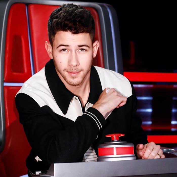 Hai năm lên xe hoa với đàn chị hơn 10 tuổi, Nick Jonas và nàng Hậu tình tứ khiến fan phát 'hờn' Ảnh 7